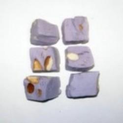 Nougat dur à la violette et amandes naturelles